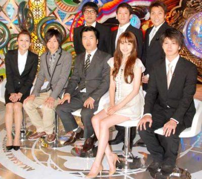 番組出演者として並んで座る島田さんとヨンアさん