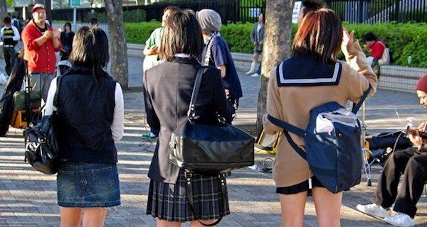 【驚き】校則でポニーテールが禁止な学校があった!その理由が笑えるwww