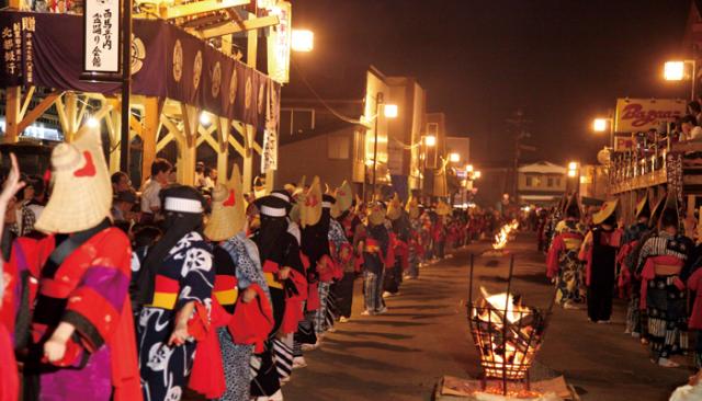西馬音内盆踊り2019の駐車場は?衣装のにも注目が集まる祭りの見どころについても紹介!